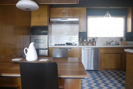Small kitchen - wood and tile