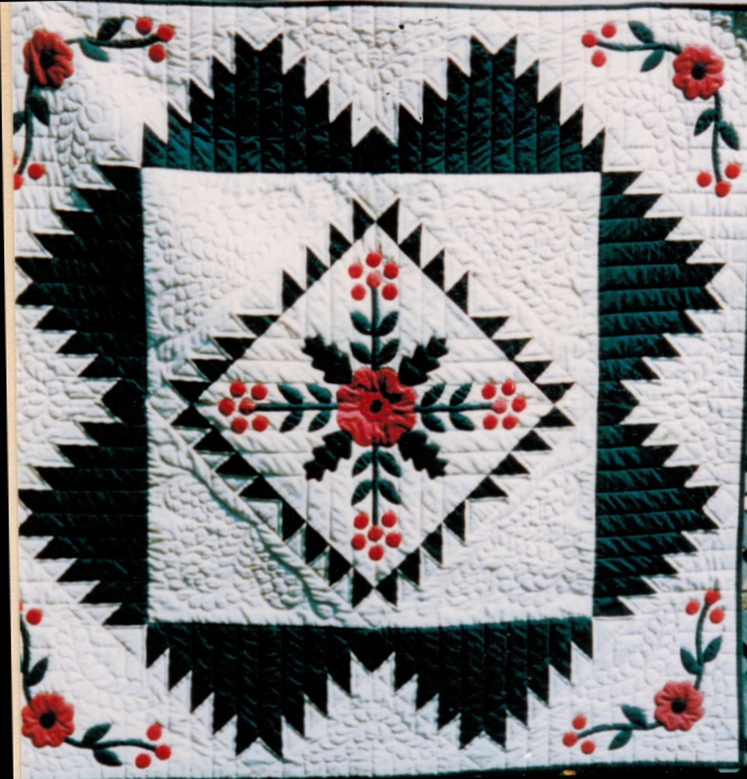 Quilters Delight Pieced Applique Coventry Rose Wall Hanging Sew ...