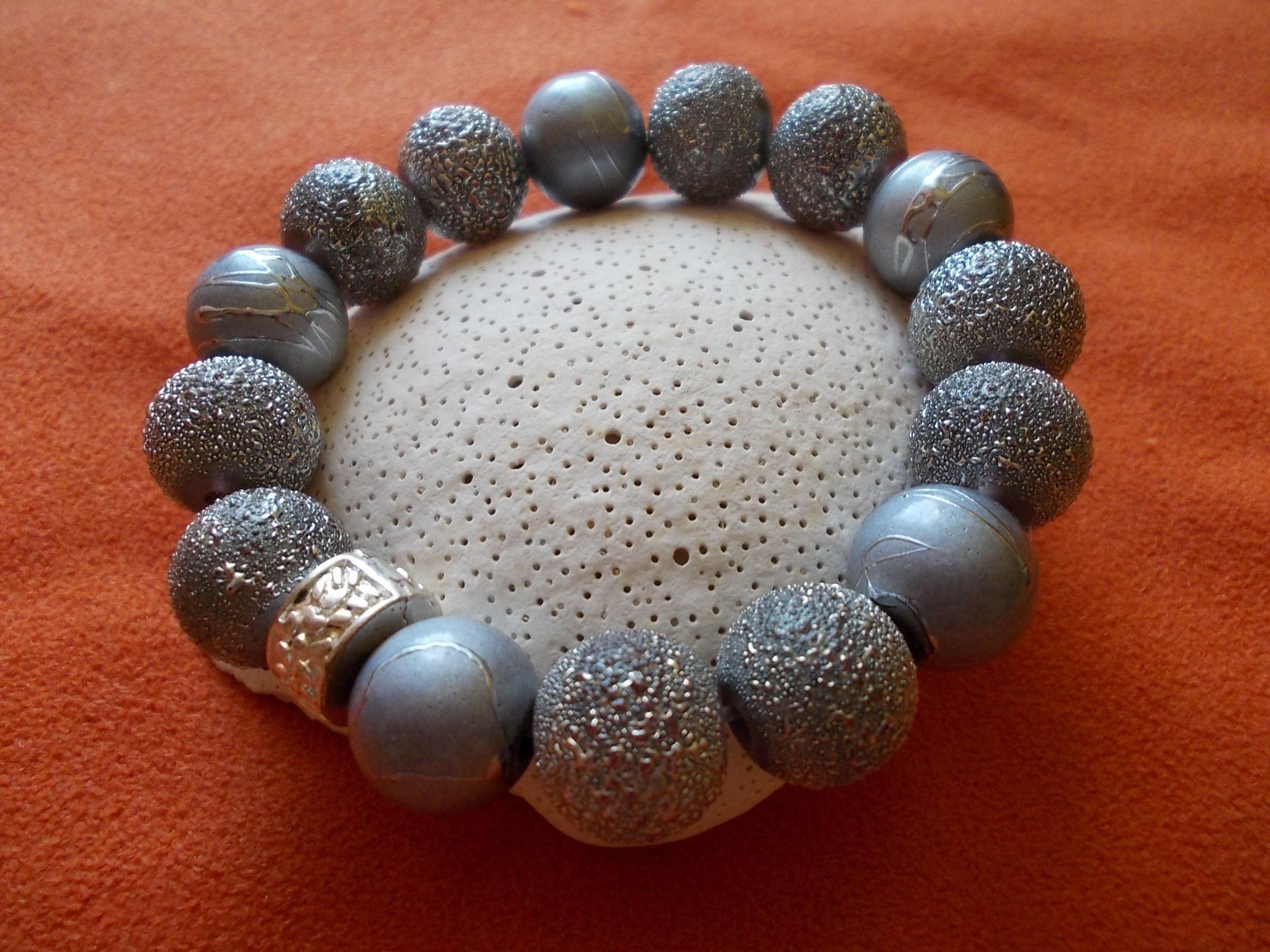 z dwóch rodzajów srebrnych korali