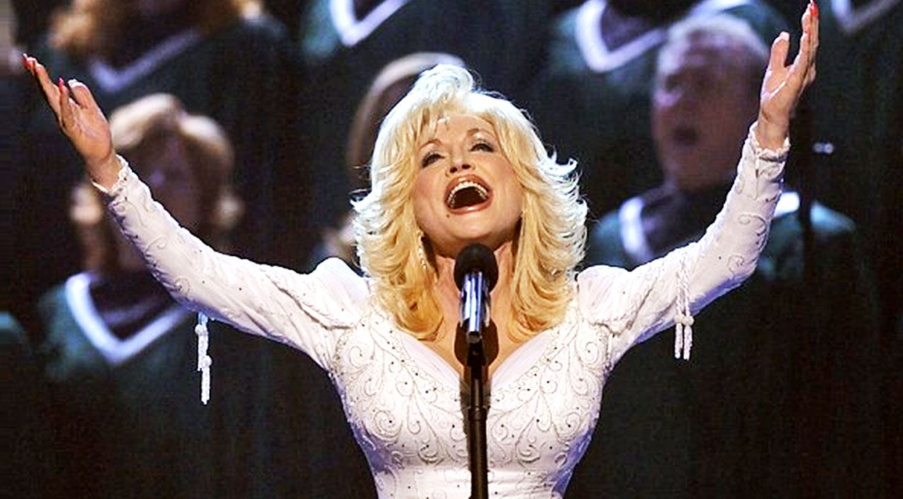 Dolly parton urges all to with powerful tribute to