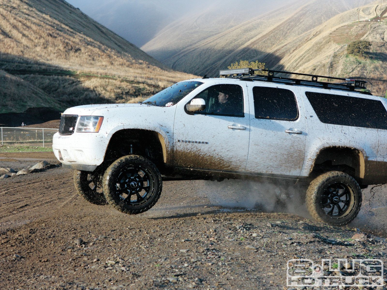 The burb 2007 chevy 2500 suburban lifted