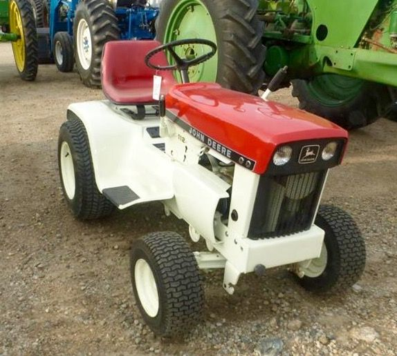 JOHN DEERE 112 Red U0026 White Patio Edition
