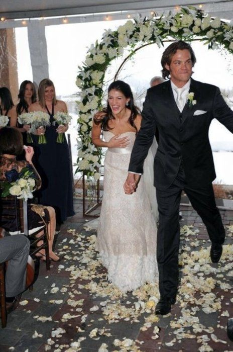 Jared And Genevieve Padalecki Wedding Look At Her Just Them They Re So Cute