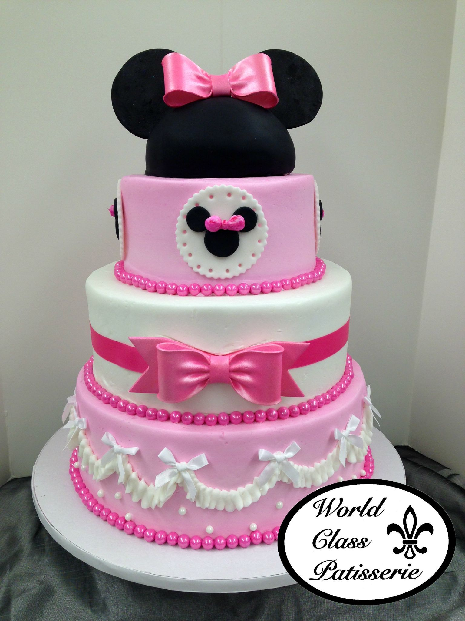 Disney Fanatics Look No Further This World Class Patisserie Cake
