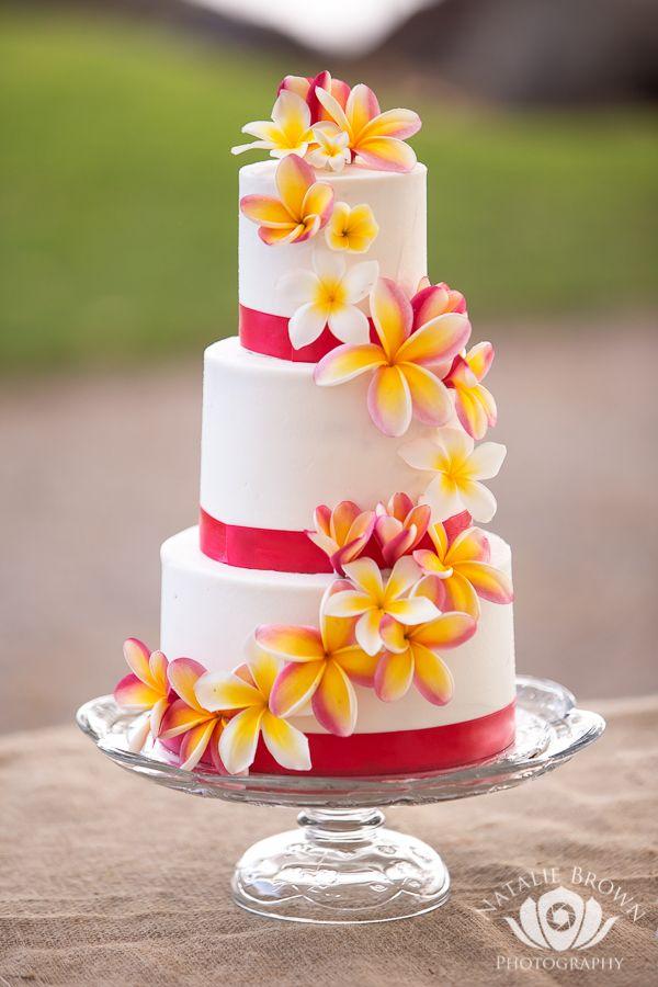 the cake tree tropical maui wedding cake manaeventshawaii nataliebrownphotography manaeventshawaii