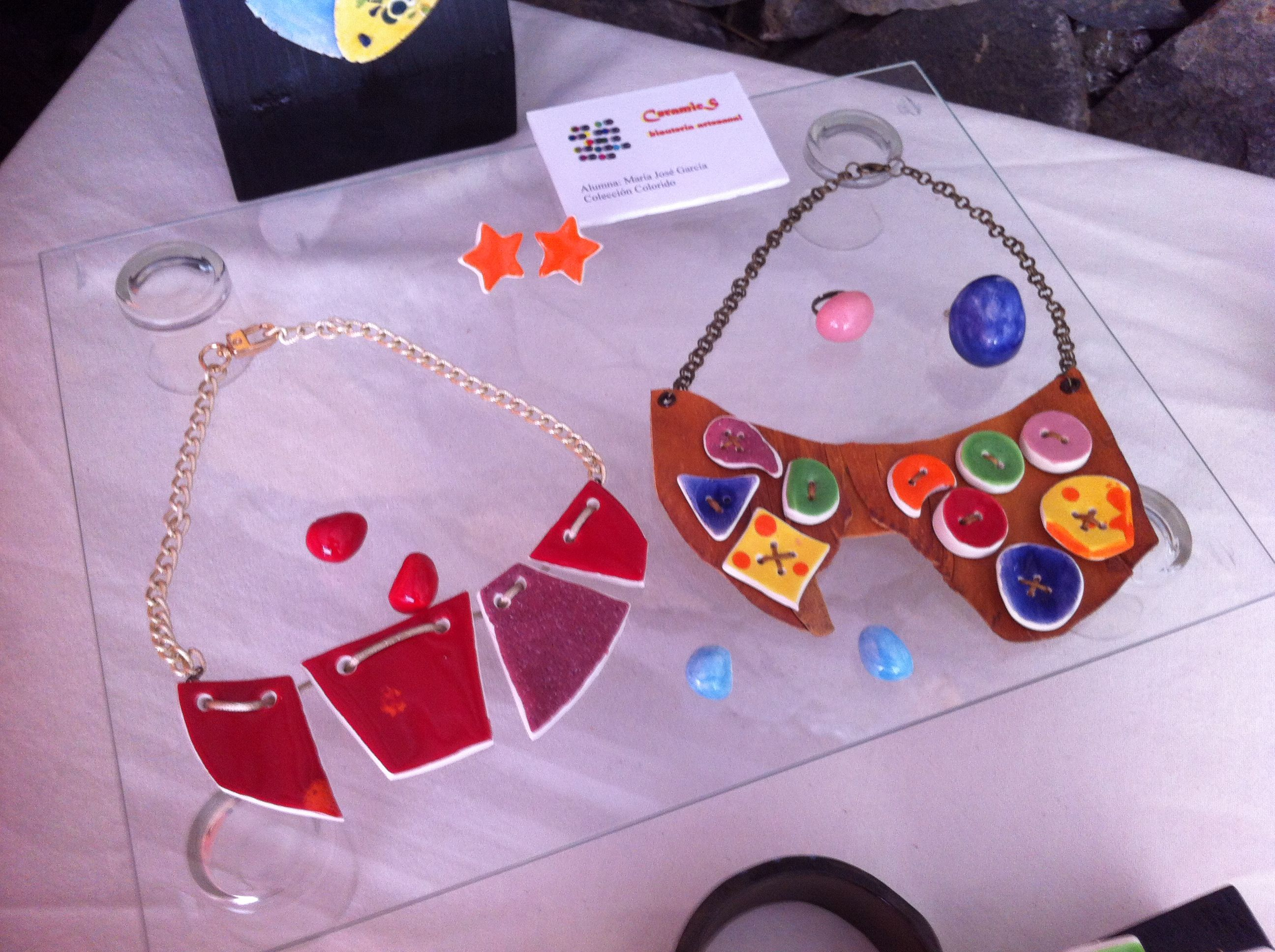 First exhibition in Candelaria. Leather and ceramic collars.
