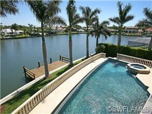 Larry Bird S Home For Sale In Naples Fl 4 8 Million Park Shore Naples Fl Real Estate 239 417 1115 Celebrity Houses Florida Mansion Naples Florida