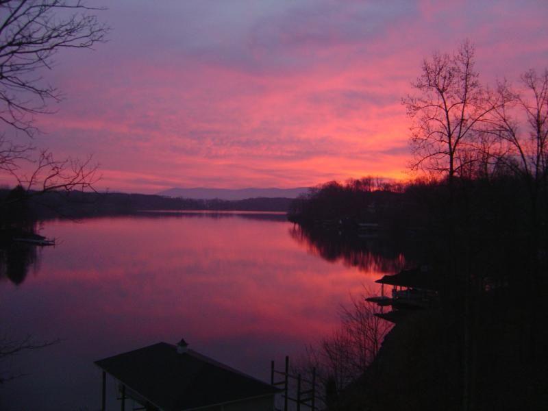 صور شروق الشمس احلي صور وخلفيات للشروق ميكساتك Smith Mountain Lake Virginia Is For Lovers Lake