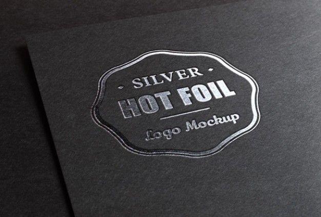 Logo Mockup mit dem Druck eines Metallblechs | Laden Sie jetzt kostenlose PSD-Dateien auf Freepik herunter