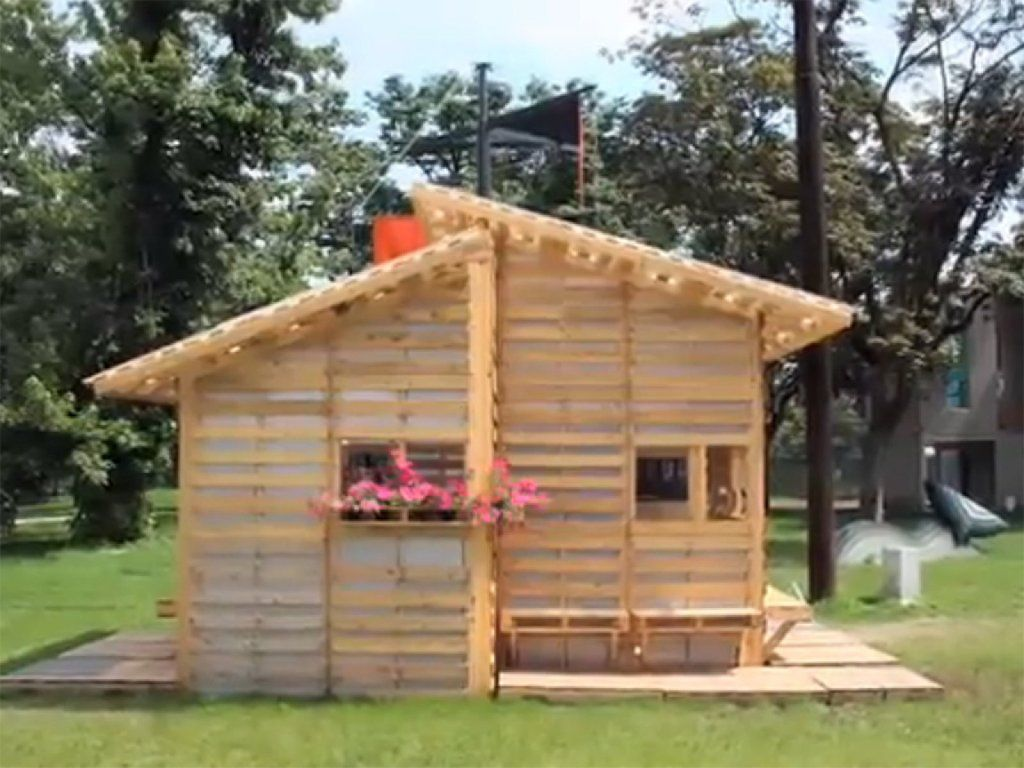 Pallet Home Una Casita En Madera De Palet Pallets And Exterior