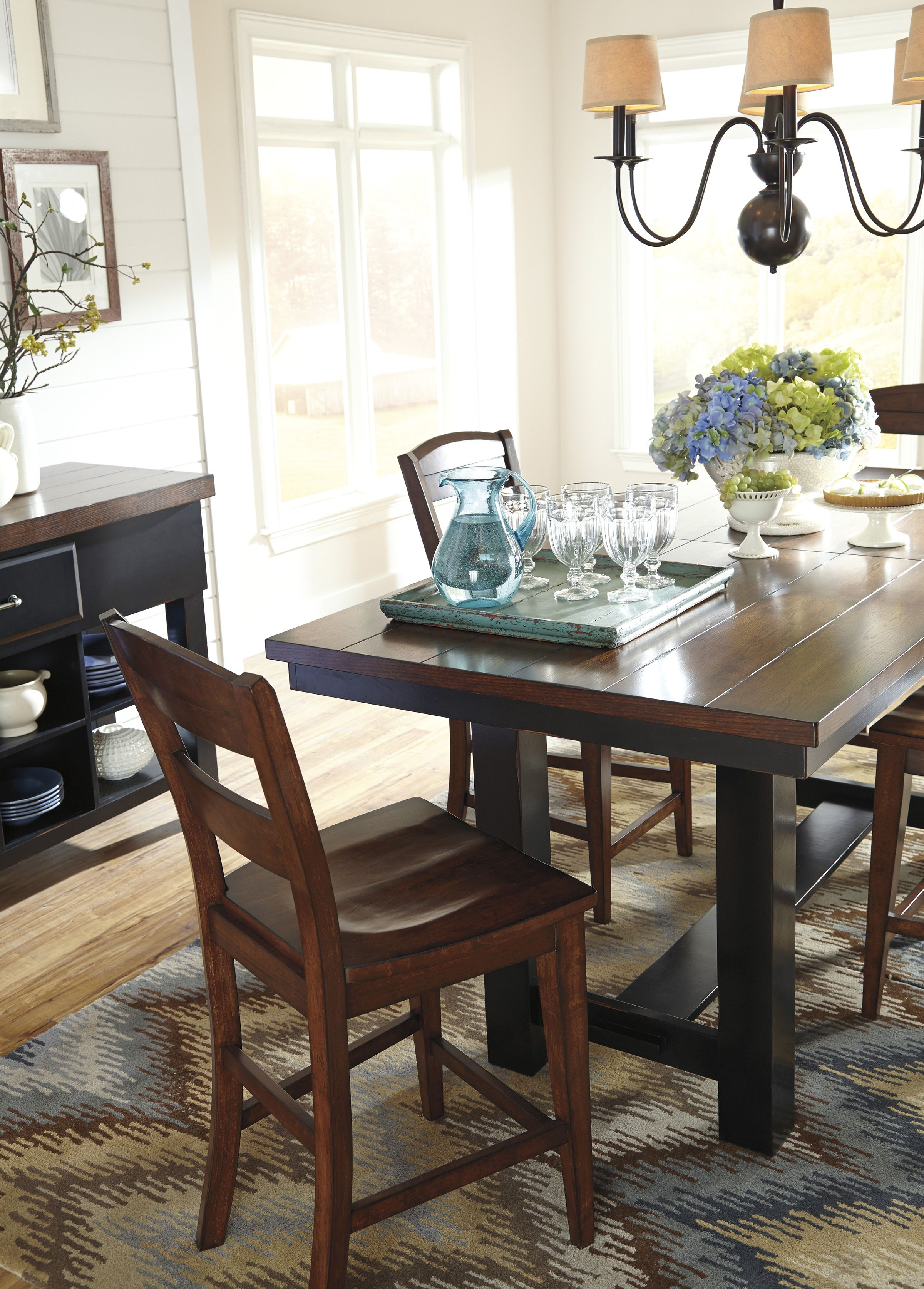 #furniture #home #DiningRoom #Trendy www.ABFMarietta.com