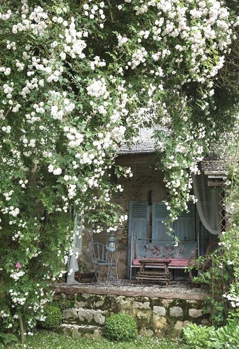 Oh roses ... | Beaux jardins, Idées jardin, Jardin romantique