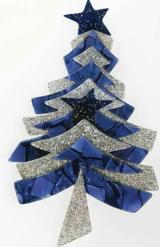 Pin By Marilu Nacarato On Christmas Tree Pins I Must Have Jewelry Christmas Tree Christmas Tree Art Jeweled Christmas