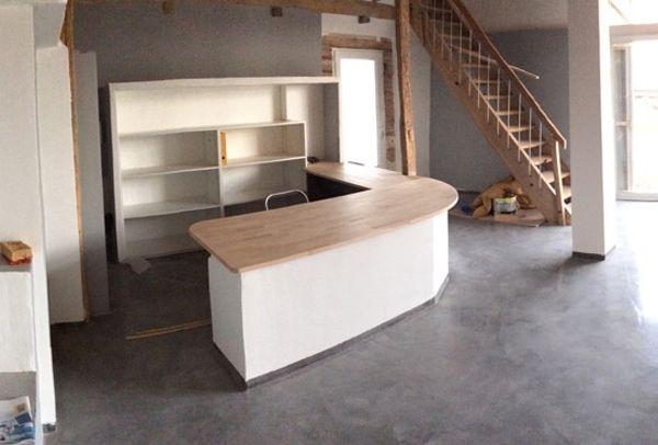 Fabrication dun bureau en bois sur mesure en l avec des plateaux en