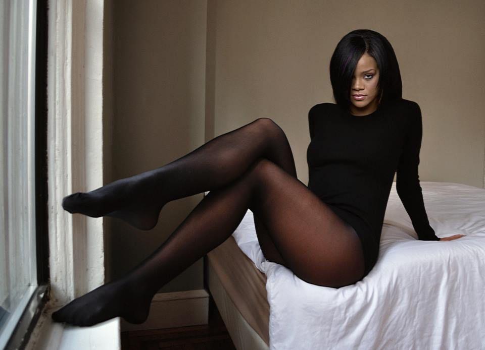 Rhianna pantyhose legs pics