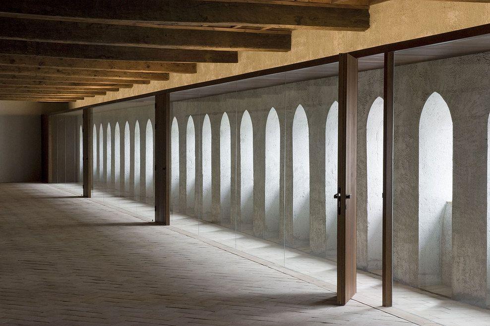 Casa del Condestable, Pamplona, Spain - Tabuenca & Leache