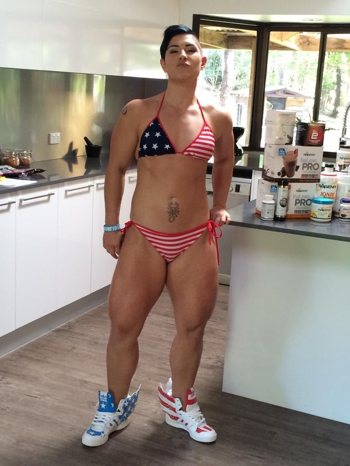 Can fuck female athlete clit