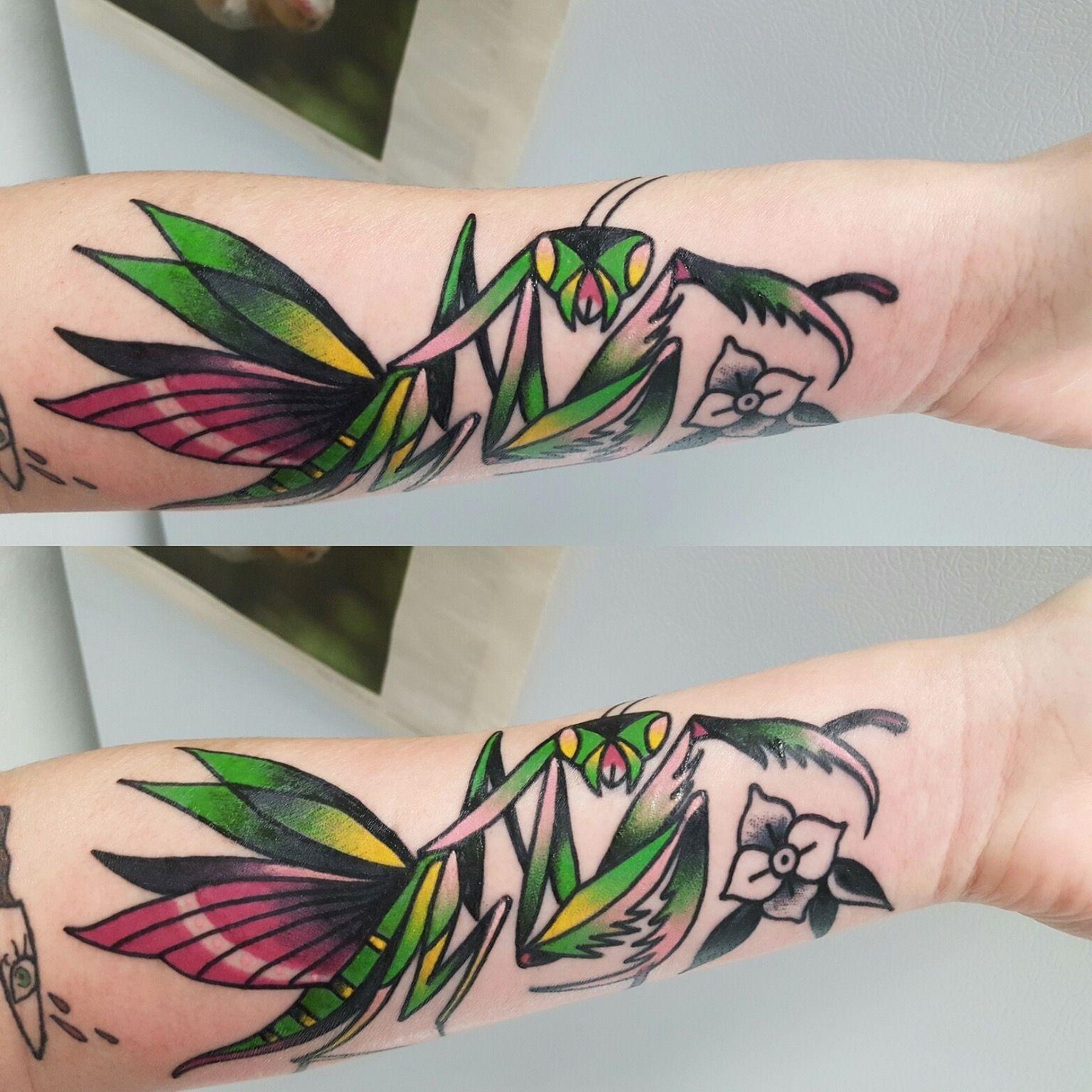 Praying Mantis Tattoo By Sean Williams At Amulet Tattoos In St