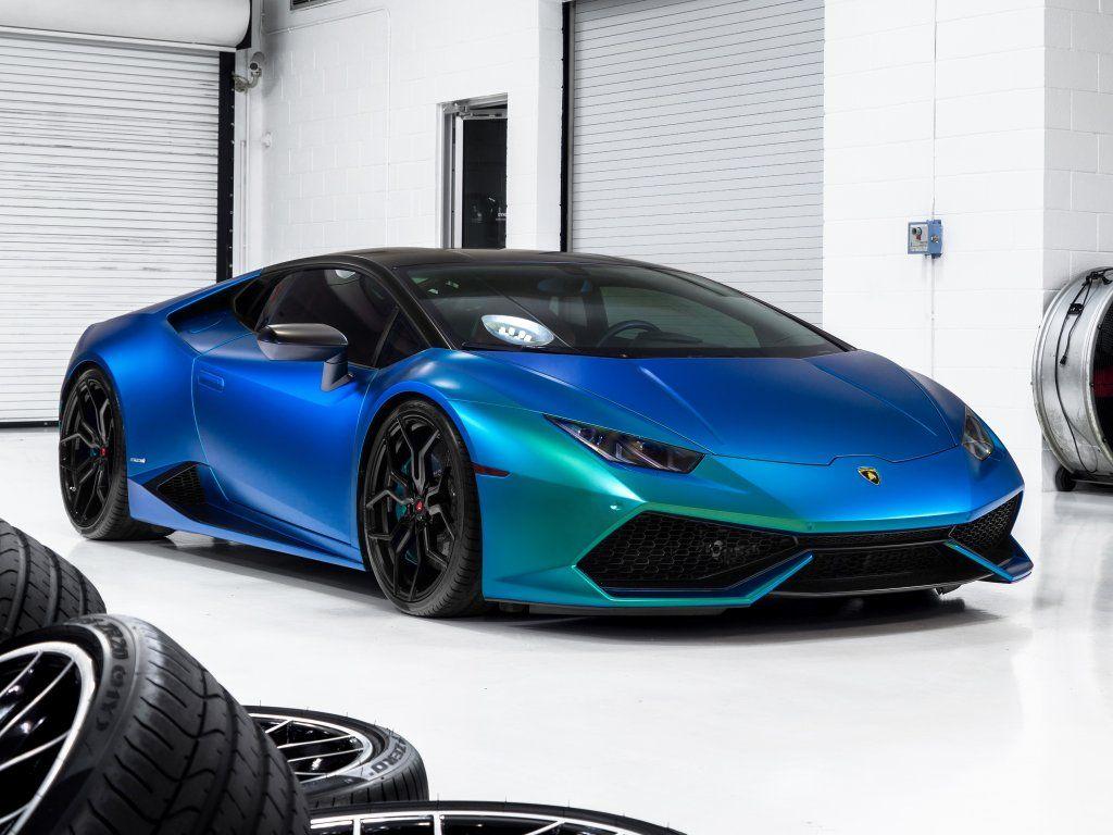 Blue Lamborghini Huracan Showroom Wallpaper Life Home