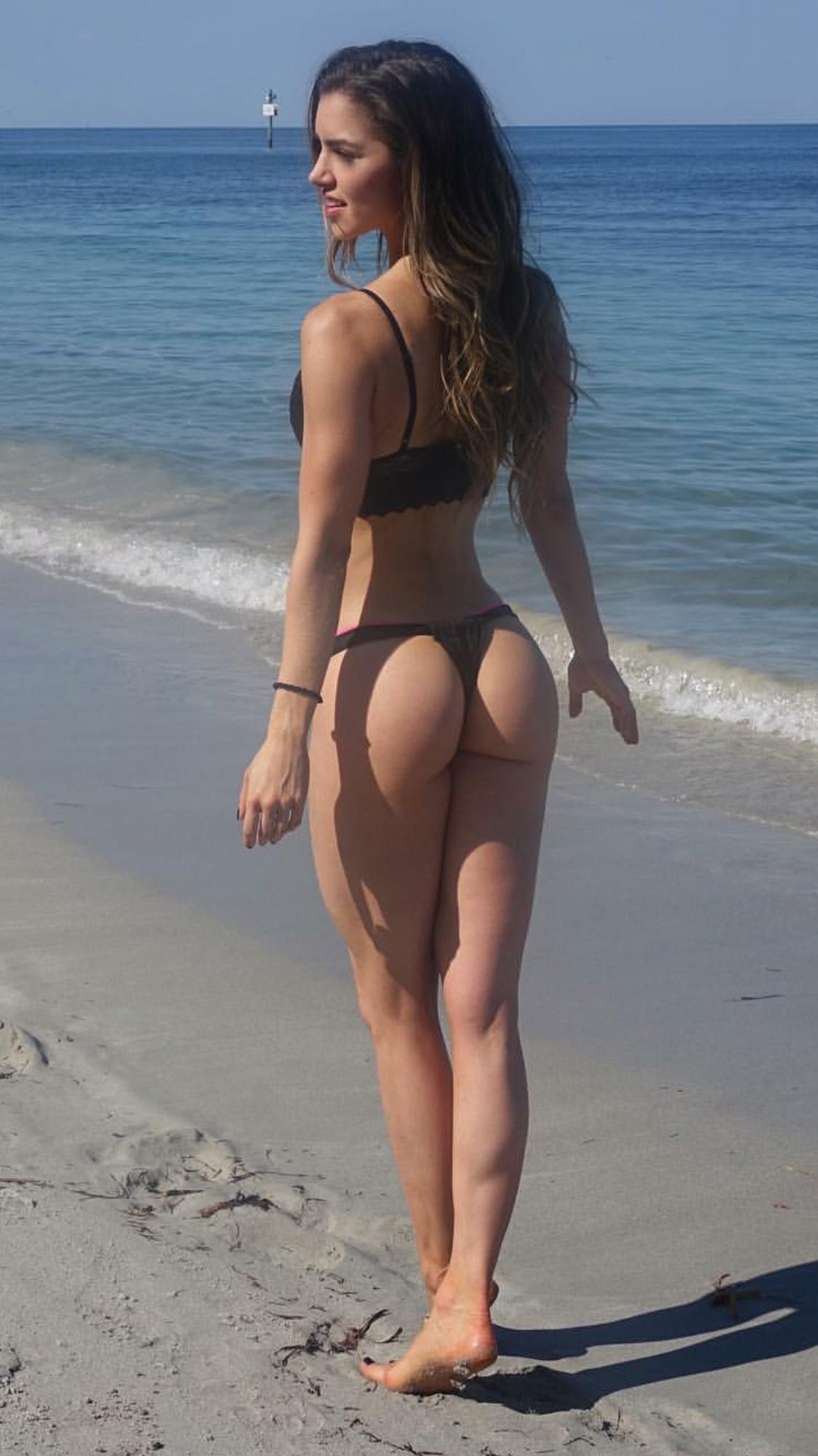 Phat booty latinas sex