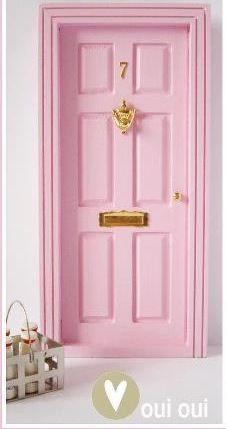 Oui Oui blog- milk door-mouse-rosa perez
