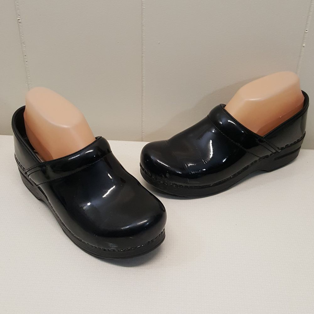 closed black flowers ariat comforter silver clogs size pin clog and comfort back mules