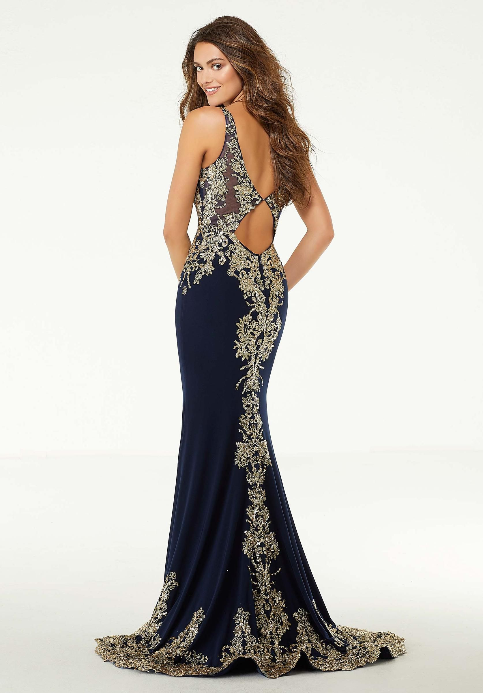 Sultry gown with sequins and glitter