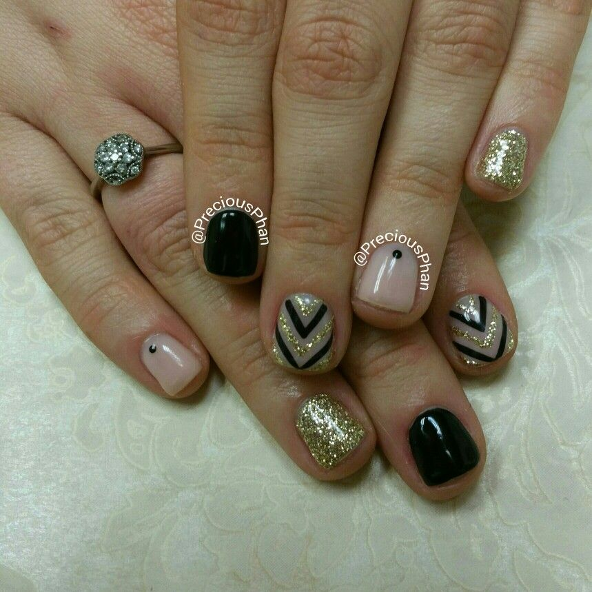 Loose glitter nails with nude and black Chevron. #PreciousPhanNails ...