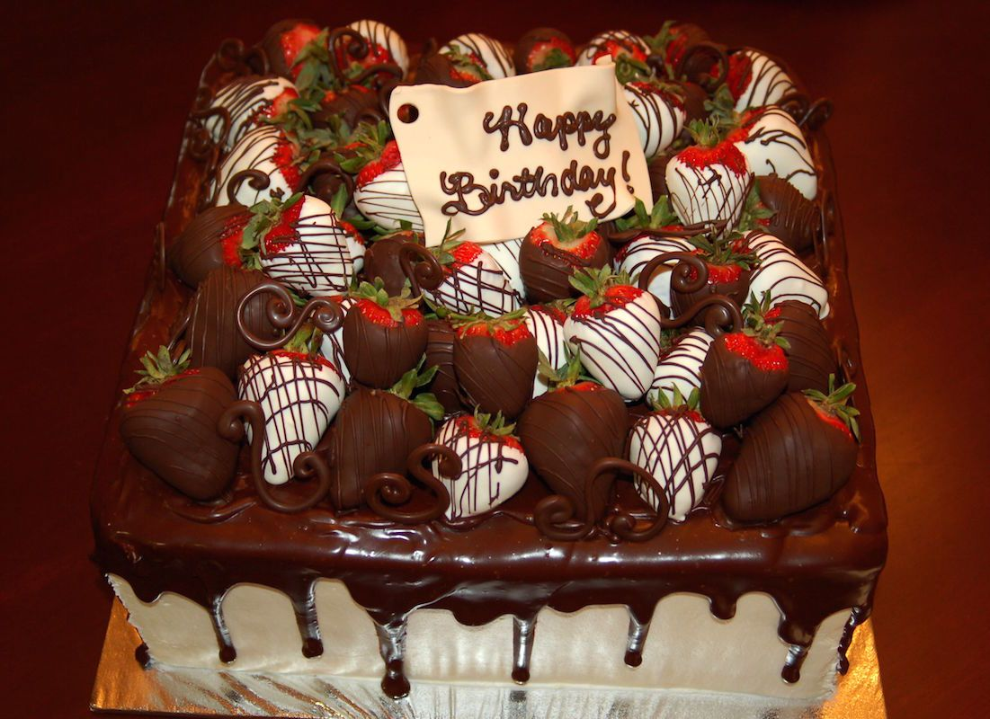 Chocolate Birthday Cakes With Strawberries