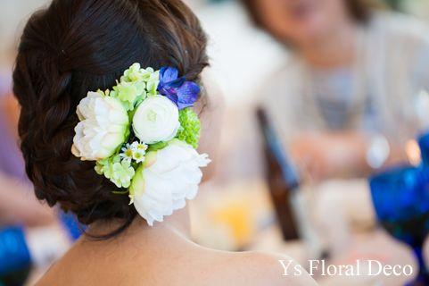 白芍薬と緑の濃淡、紫のヘッドドレス アーティフィシャルフラワー @沖縄アラマンダ ys flora deco