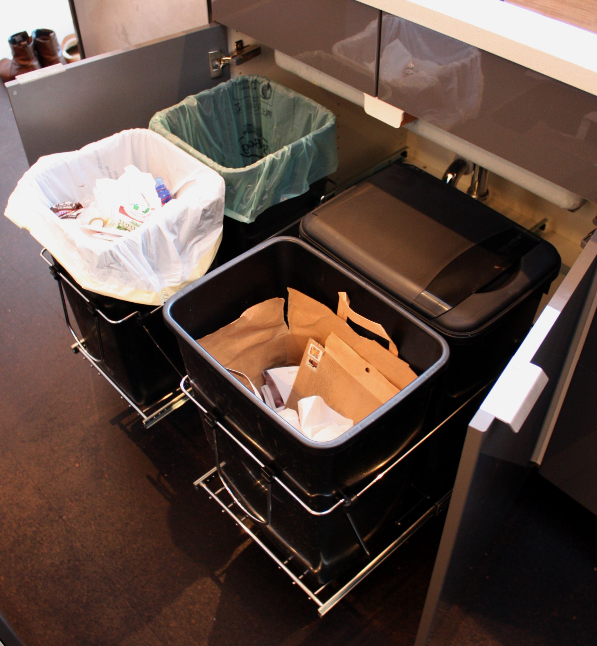 Awesome Query Whether Ikea Pull Out Under Sink Drawer 80 Cm Gives Enough Trash/recycling  Storage.