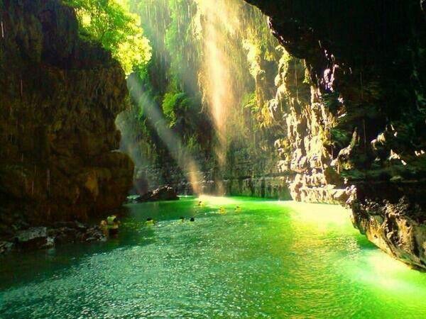 Cañon verde en cijulang Indonesia