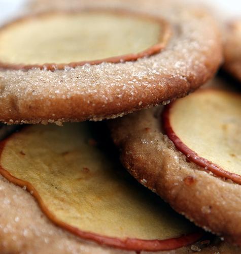 A Recipe For Mrs Beans Nutmeg Ginger Apple Snaps From Fantastic Mr Fox How Sweet Eats Ginger Apple Food