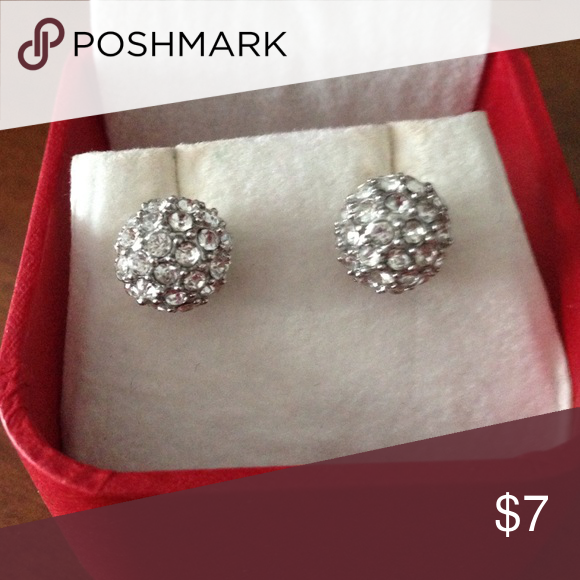 Sparkle ball earrings Sparkle ball earrings. Box not included. Get all 11 pairs of earrings in my closet for $25 plus shipping. Just make a bundle and include them all! New York & Company Jewelry Earrings