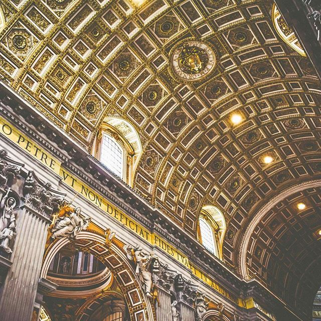 St Peter's Basilica is one of the #holiest #catholic sites with an estimated number of 11M #tourists annually. #stayorvaycay #travel #travel2017 #travelgoals #seetheworld #wanderlust #vacation2017 #vacation #jetsetter #bucketlist #ilovetotravel #takemethe