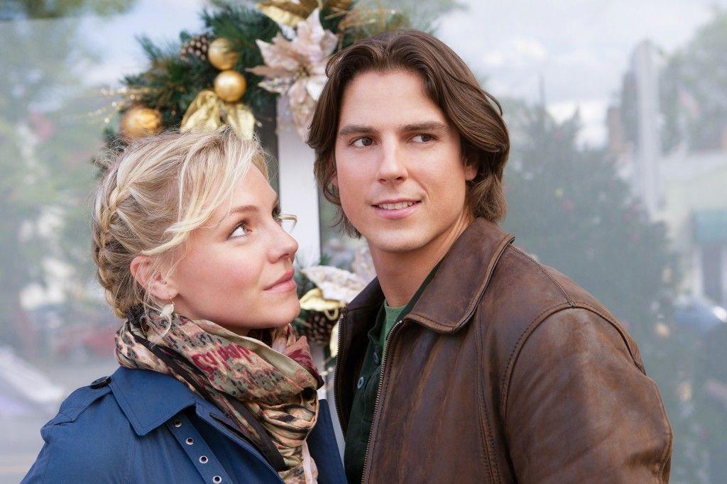 Eloise Mumford, Sean Faris, Christmas with Holly www