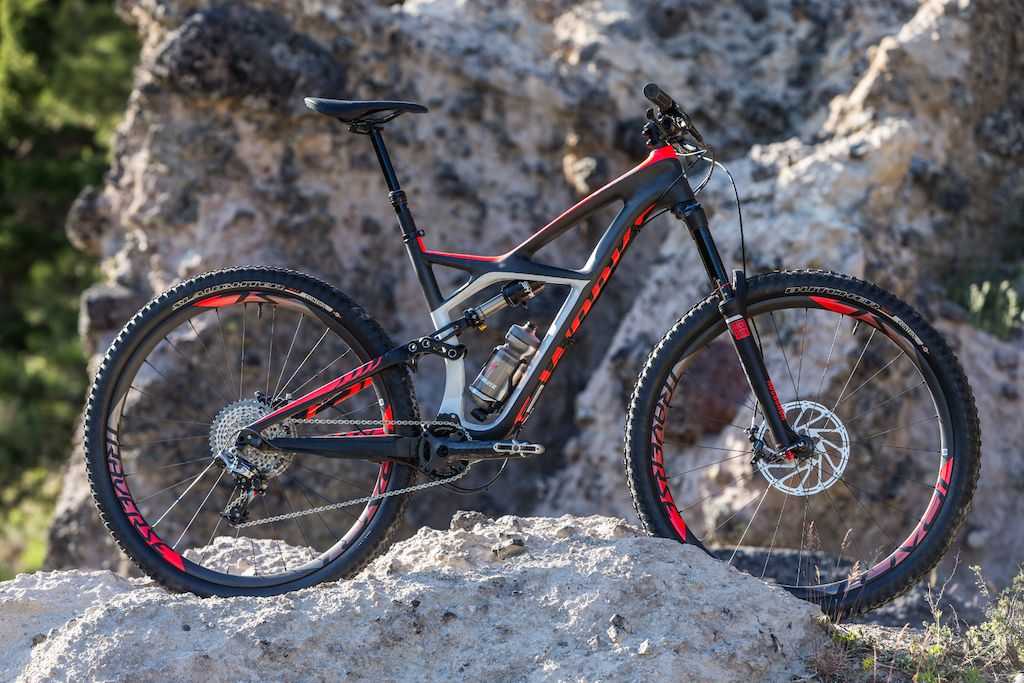 Specialized 2015 The Enduro Gets 27 5 Inch Wheels Specialized