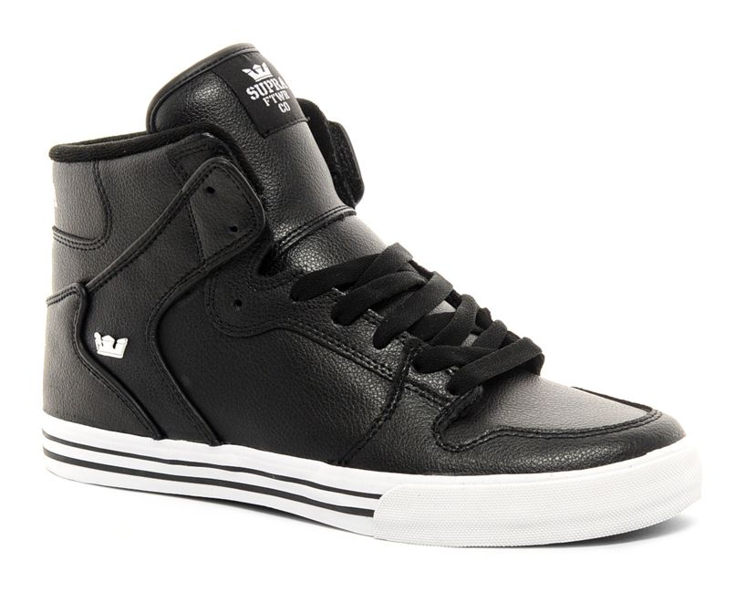 Discover the cool nike high tops for boys latest styles of men's high top shoes for less from your favorite brands at Famous Footwear Find your fit today. Get your kid ready for school, the weekend and everything in between with the latest kids' Converse shoes, clothing and gear.