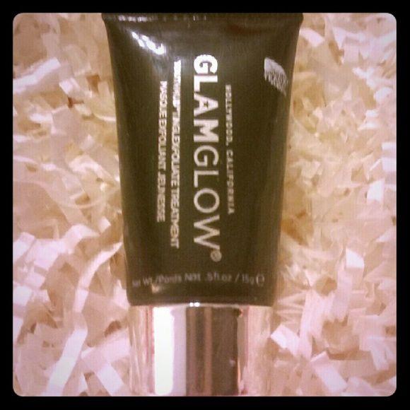 Glamglow Youthmud Glamglow Youthmud  Tinglexfoliate Treatment  Deluxe Beauty Sample Size .5 oz Glamglow  Makeup