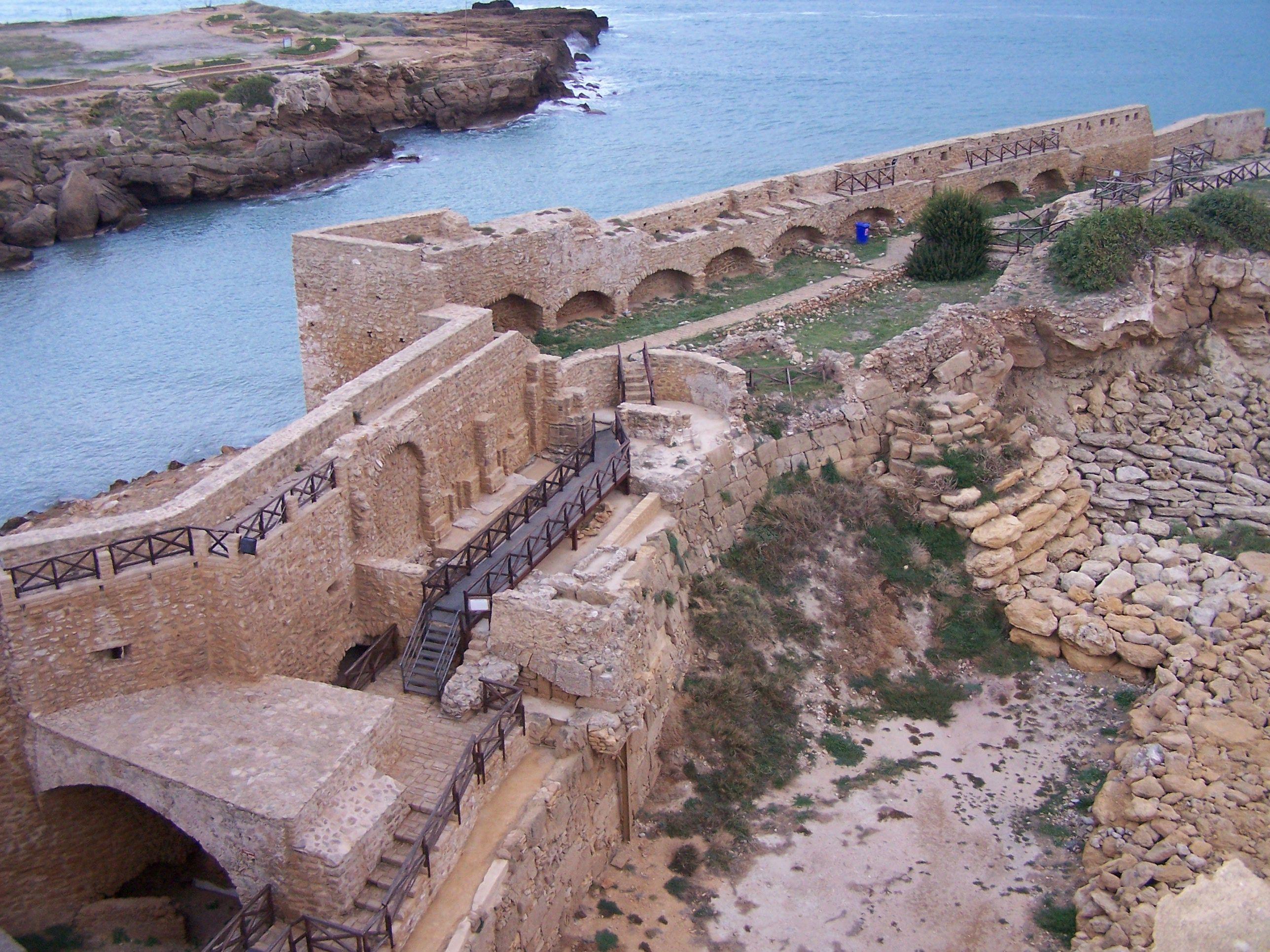 Località Le Castella, in provincia di Crotone, la sua meravigliosa fortezza sul mare.