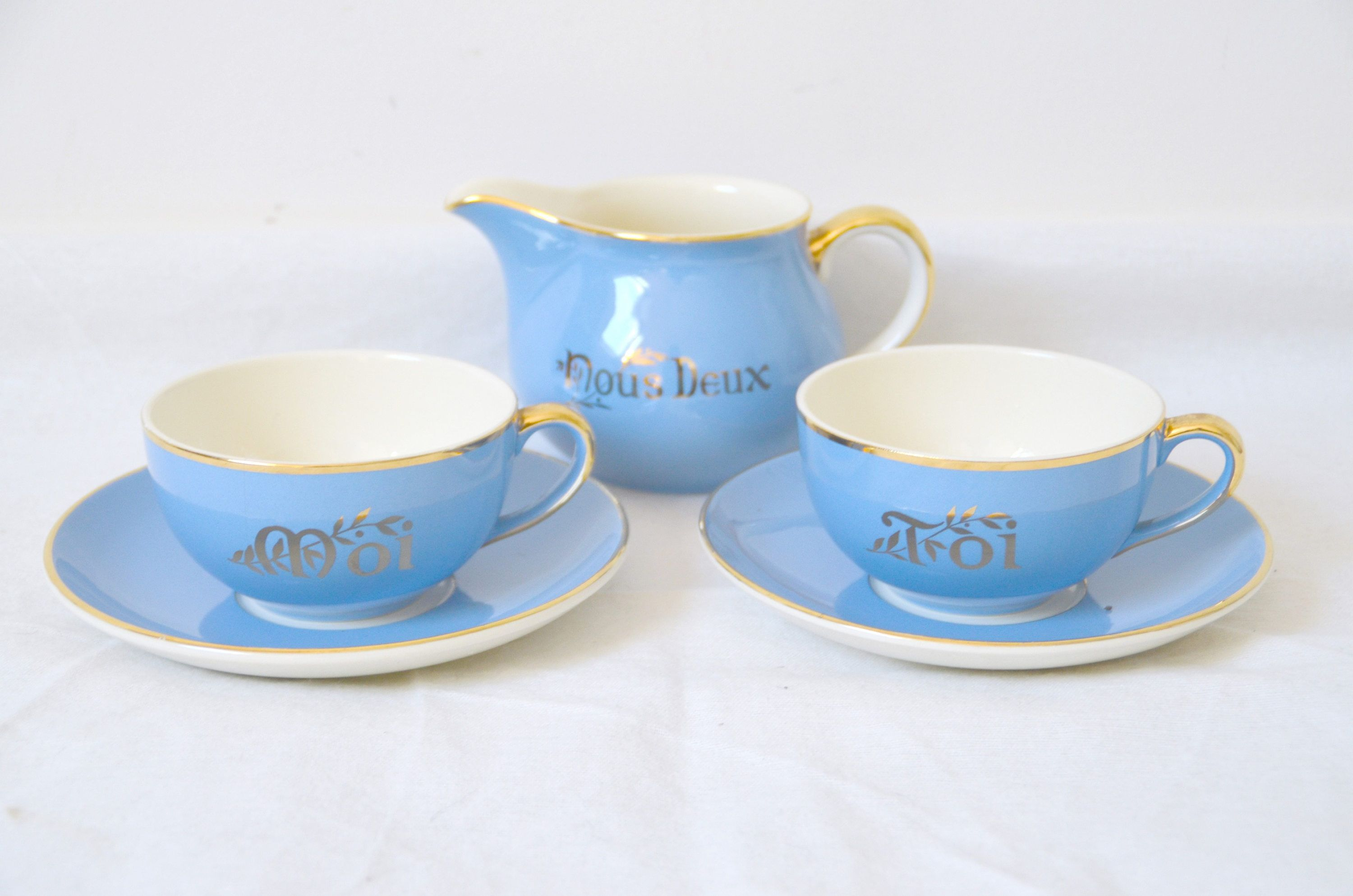 Serving breakfast you and me Villeroy & Boch, blue and