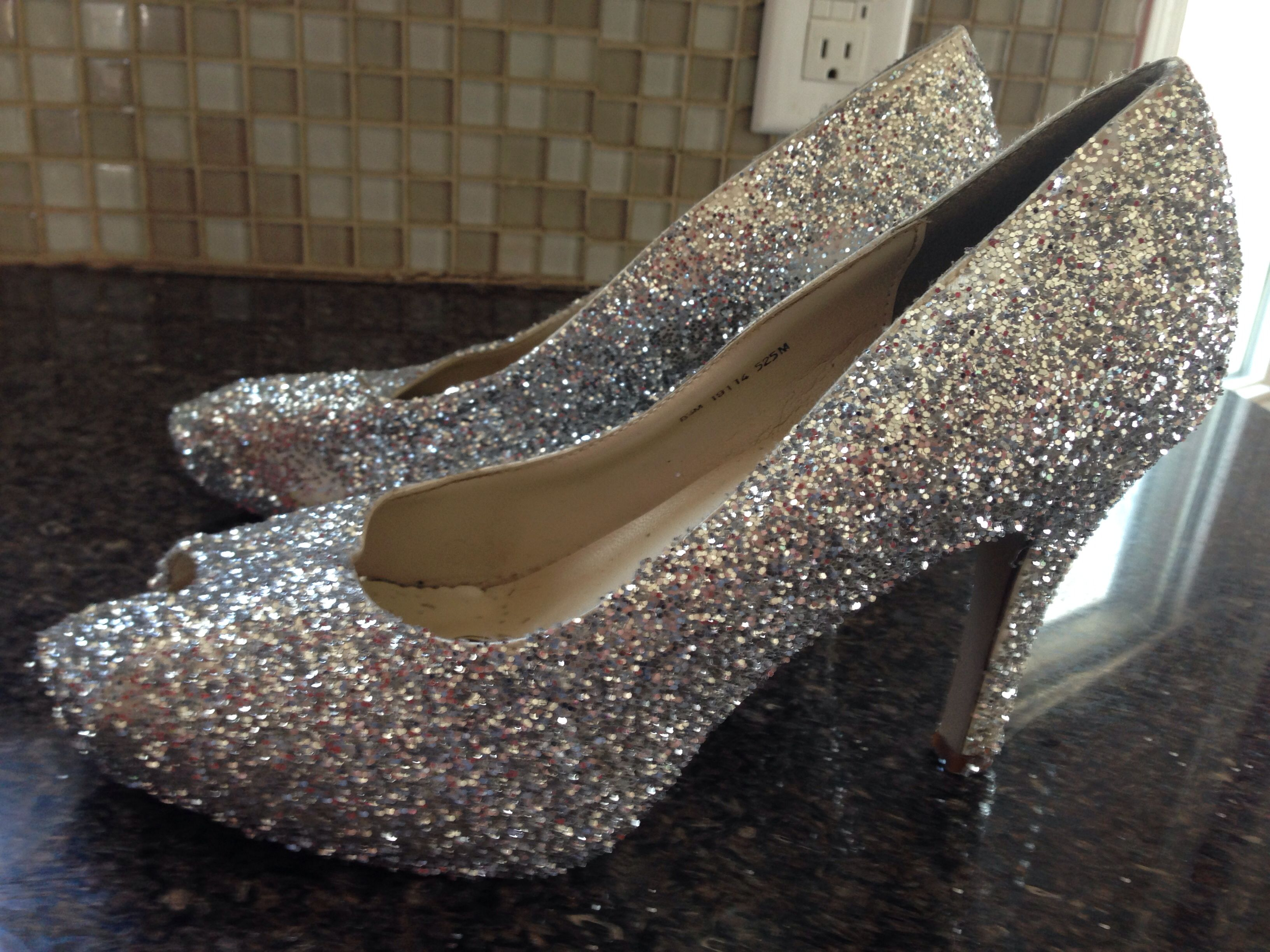 Pin Gold Glitter Shoes on Pinterest | Gold glitter shoes