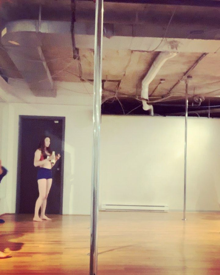 So fun tonight. Trying to perfect this spin 💫   #pole     #spin     #polelove     #polefitness     #...