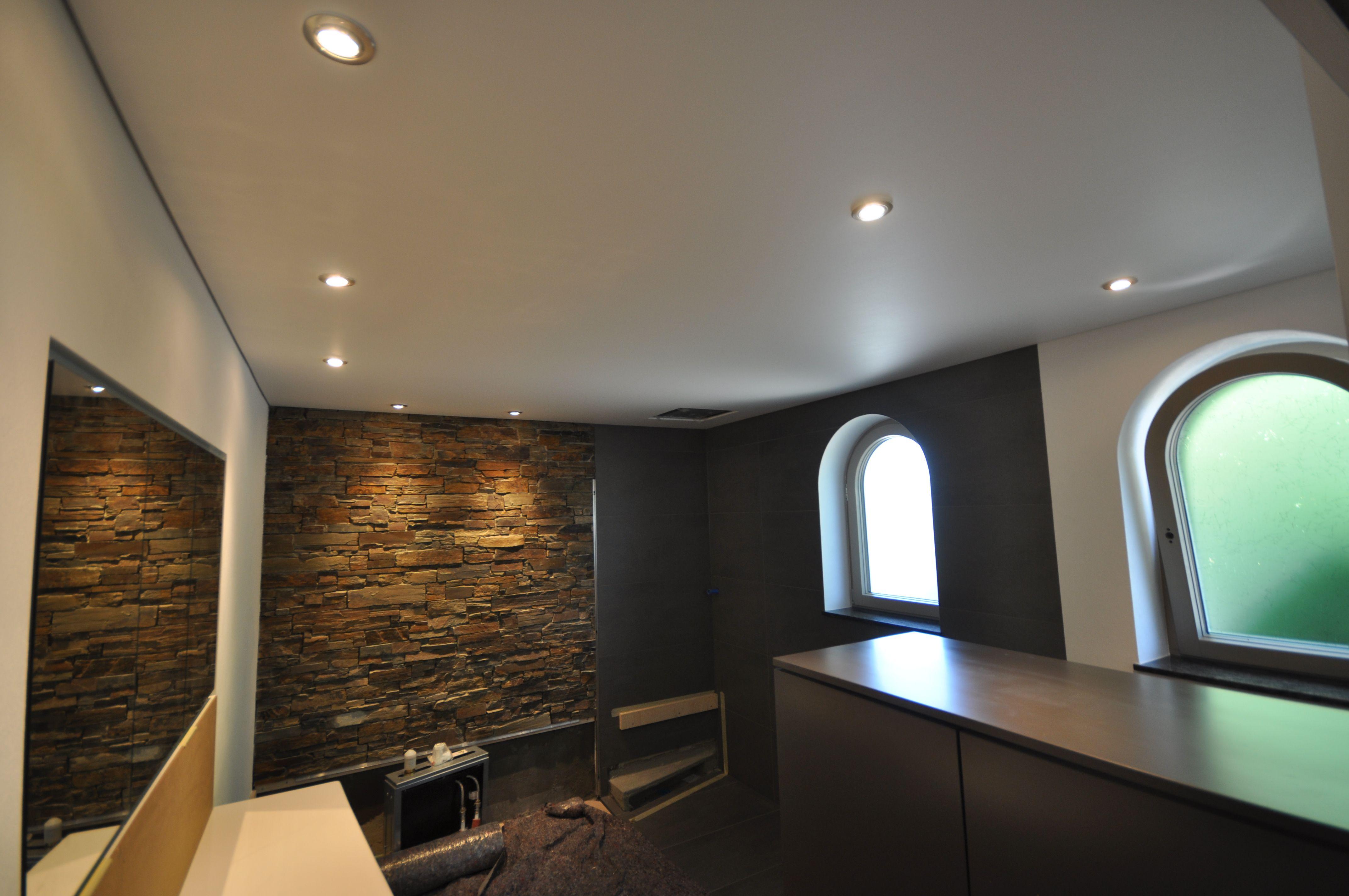 Wohnzimmer Renovieren ~ Spanndecke in schwarz hochglanz #bad#wc#decke#renovieren#fliesen