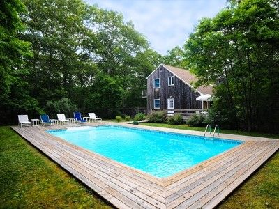 Modern Kitchen Gorgeous Heated Pool 4 5 Minute Drive To East Hampton Village Northwest Harbor Swimming Pool Designs Swimming Pools Cool Pools