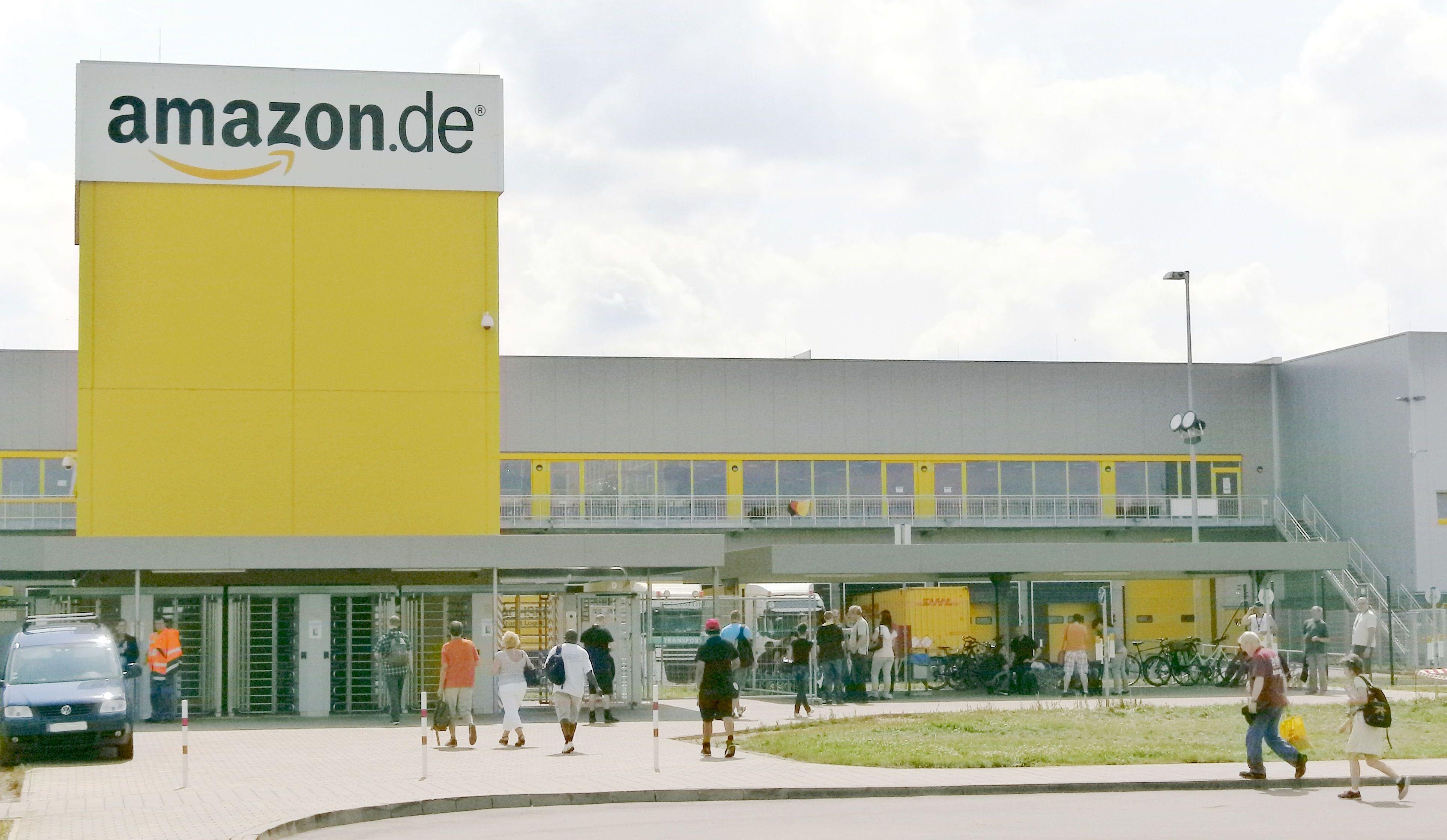 Niemcy Strajk w Amazon tuż przed Wielkanocą Niemcy
