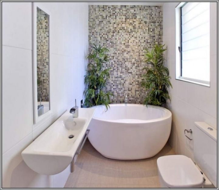 Merveilleux Freestanding Bathtubs Small Spaces Incredible Ideas Freestanding Tubs In Small  Bathrooms 0637