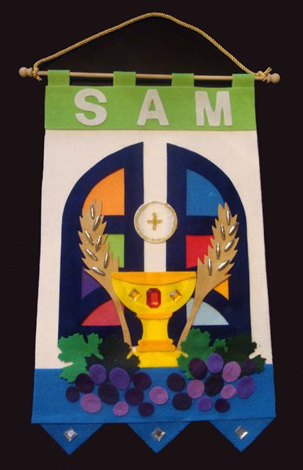 First communion banners here is one 1st communion banner made by first communion banner kits makes boys communion banners and girls communion banners easy way to make first holy communion banners for individual or class solutioingenieria Image collections