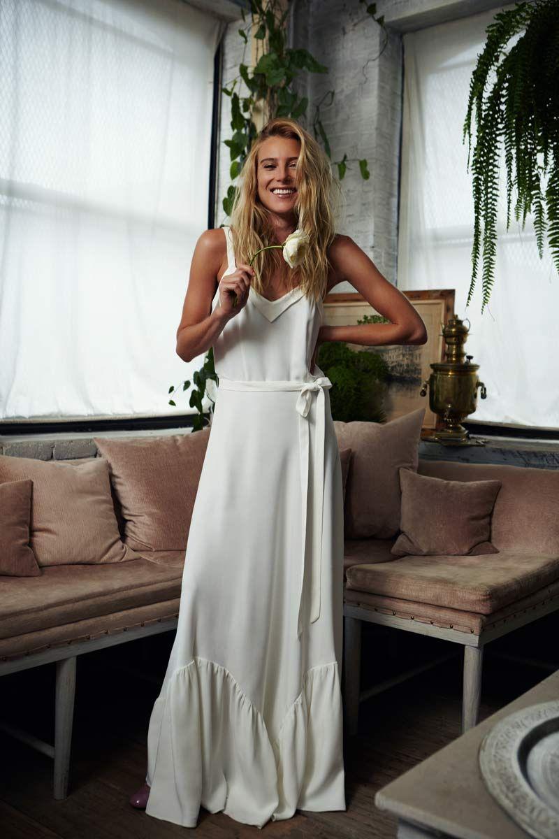 así es la colección de vestidos de novia de Savannah Miller hermana ...