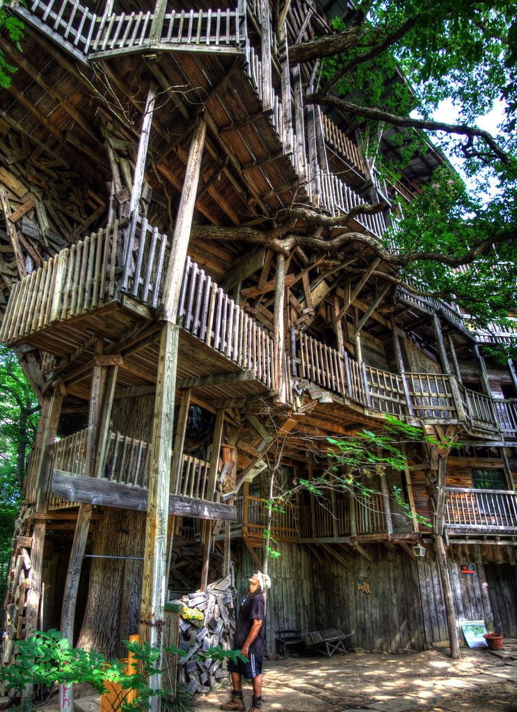 largest treehouse in the world crossville tennessee photo credit chuck sutherland - Biggest Treehouse In The World